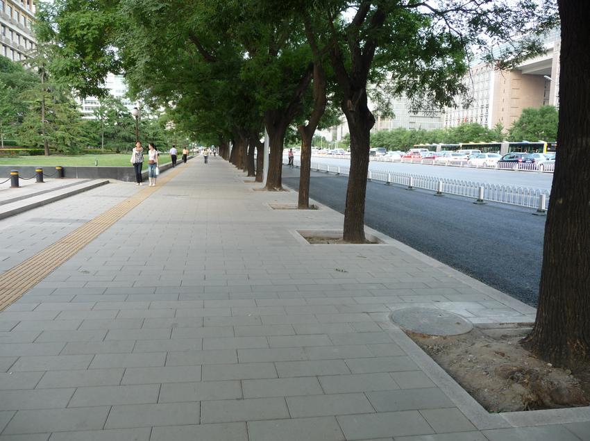 德厦透水砖铺装在北京长安街