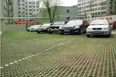 亚博体育网页登录产品铺装在承德市附属医院停车场