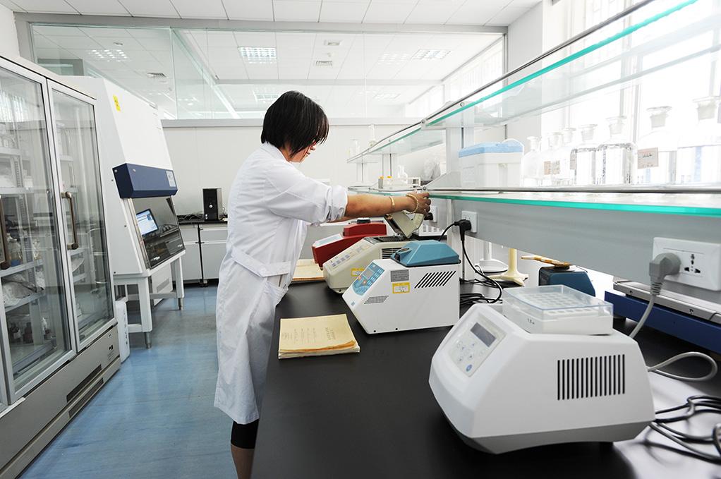 关于实验室离心机购买后第一次使用噪音大的问题处理